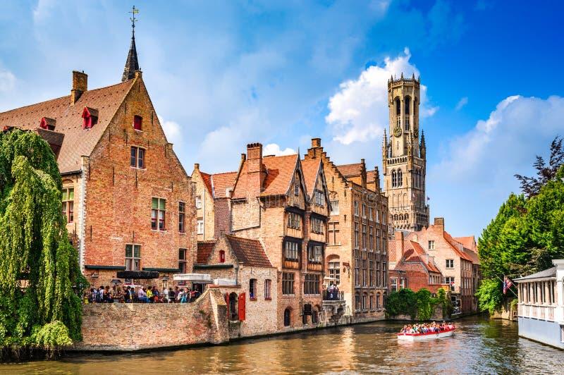 布鲁日,富兰德,比利时-浇灌有佛兰芒房子的运河 免版税库存照片