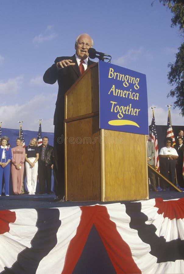 布什/切尼竞选的迪克・切尼集会在Costa Mesa,加州, 2000年 免版税库存图片