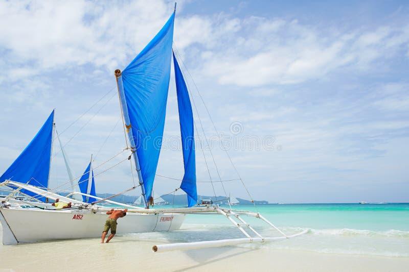 帆船在博拉凯海岛 免版税库存图片