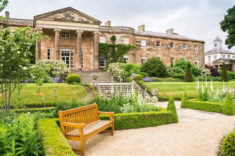 希尔斯伯勒角城堡,从庭院的北爱尔兰风景视图  库存照片