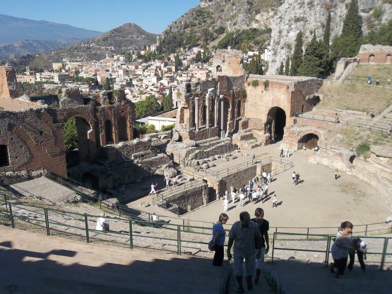 希腊剧院。废墟。 免版税库存照片