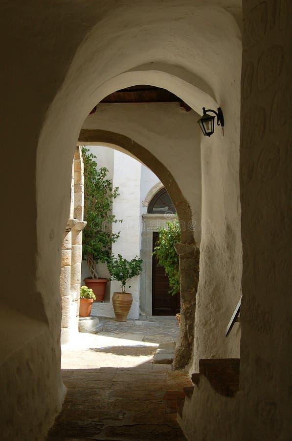 希腊小的街道 免版税库存图片