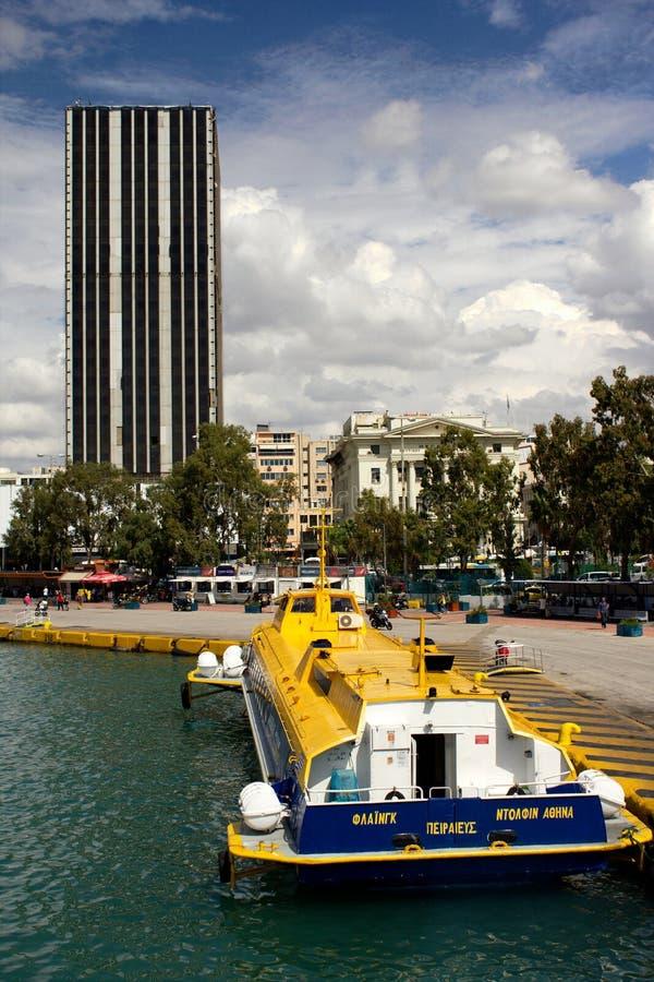 希腊比雷埃夫斯港飞海豚 免版税库存图片