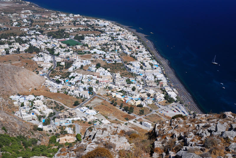 希腊海岛kamari santorini村庄 库存照片