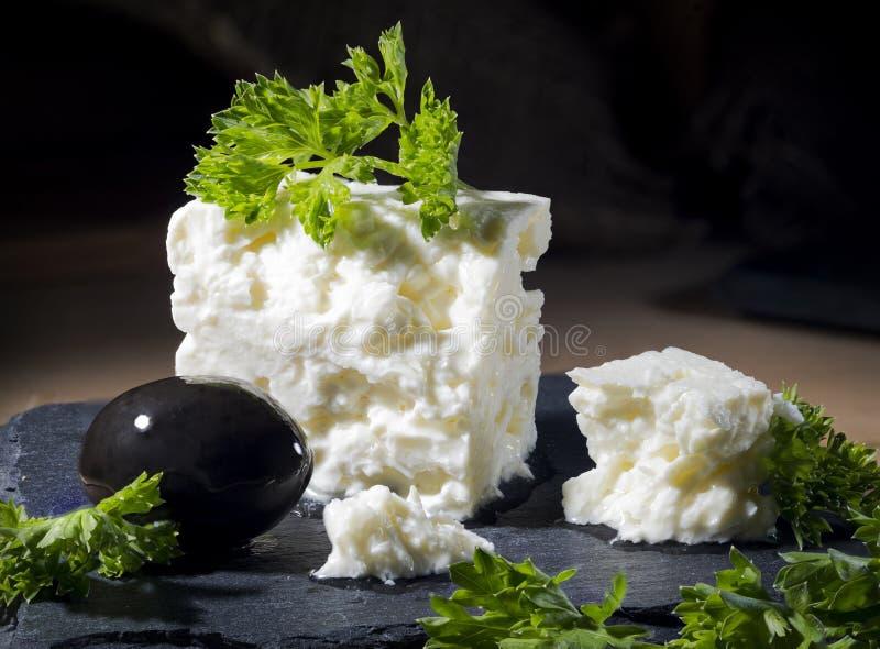 希腊白软干酪用荷兰芹和橄榄 免版税库存图片