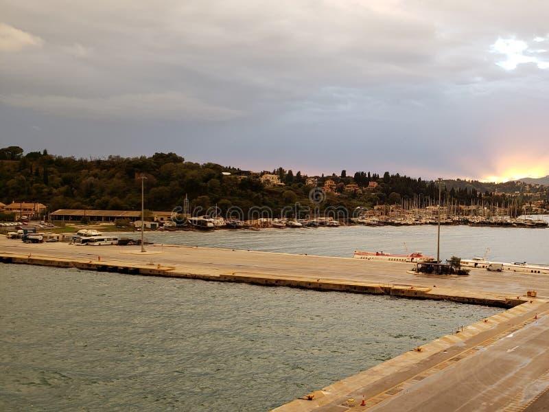 希腊的游轮旅行和海滩旅游 免版税库存照片