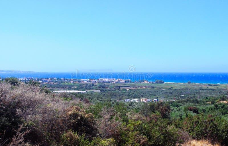 希腊的照片:橄榄树,海,山,天空 ?? 图库摄影
