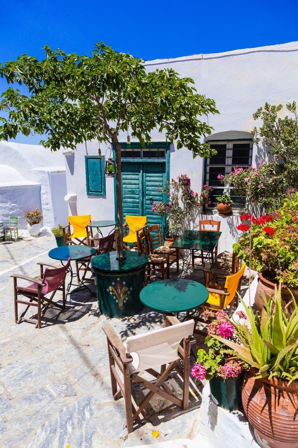 希腊的迷人的传统tavernas 阿莫尔戈斯岛海岛 免版税库存图片