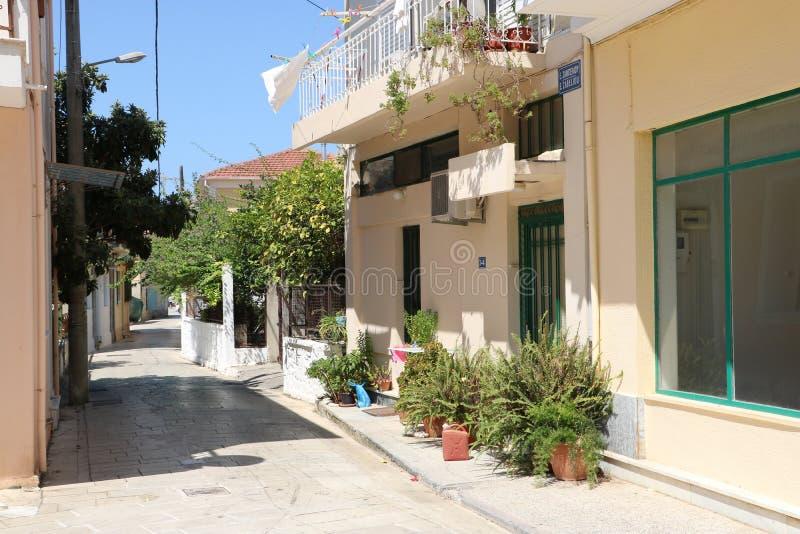 希腊莱夫卡达镇典型街道 免版税库存图片