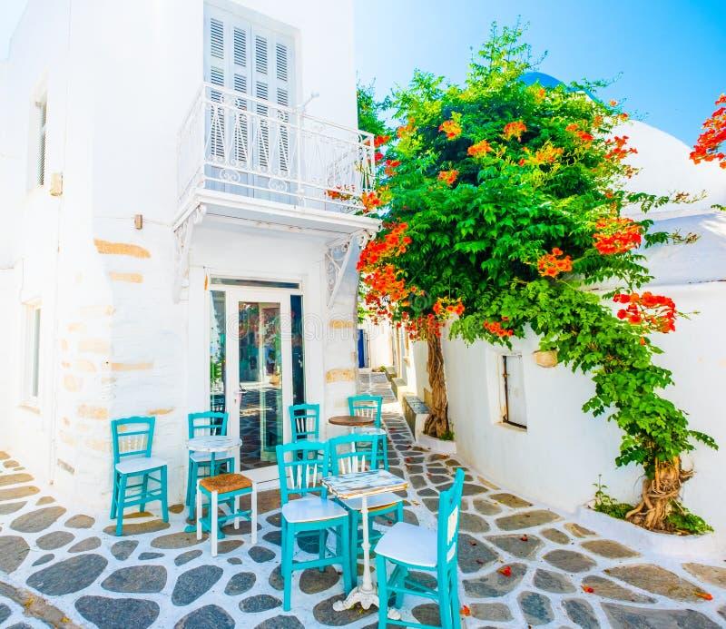 希腊街道餐馆地方阳光视图  库存图片