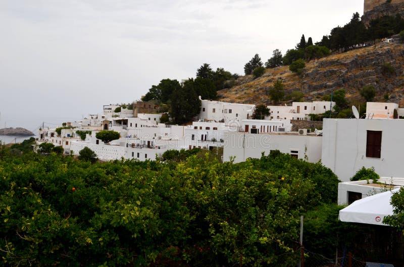 希腊镇的看法在罗得岛 库存图片