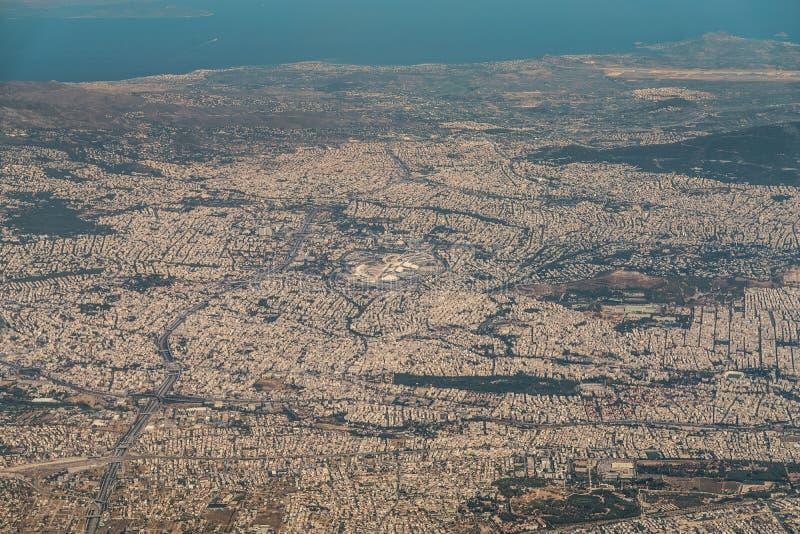 希腊首都雅典-全景的鸟瞰图 免版税库存图片
