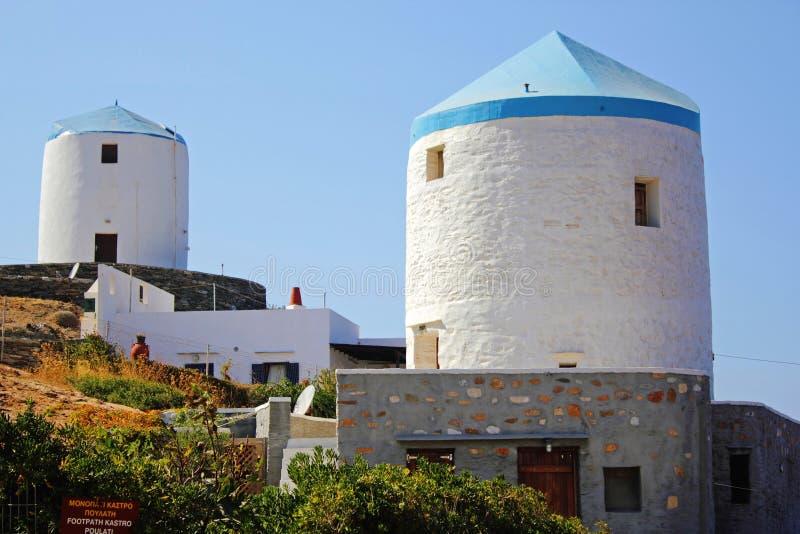 希腊,锡弗诺斯岛海岛,老传统风车 免版税库存照片