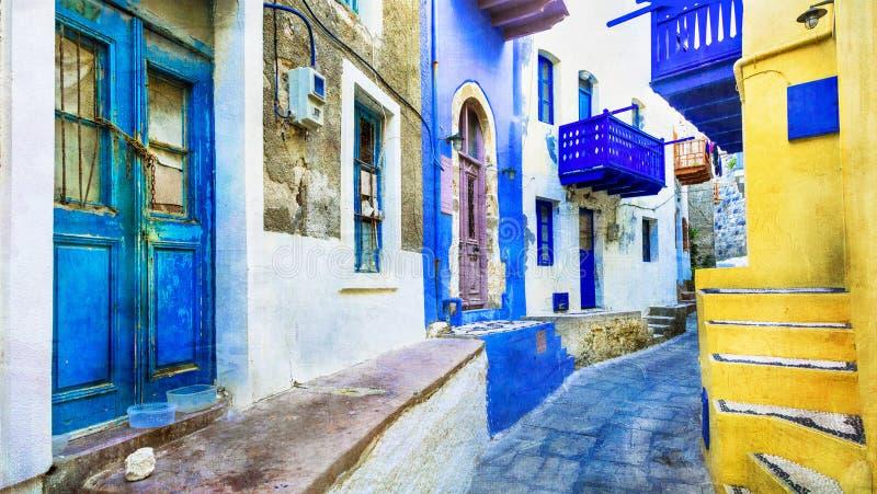 希腊-尼西罗斯岛传统海岛有五颜六色的街道的 库存照片
