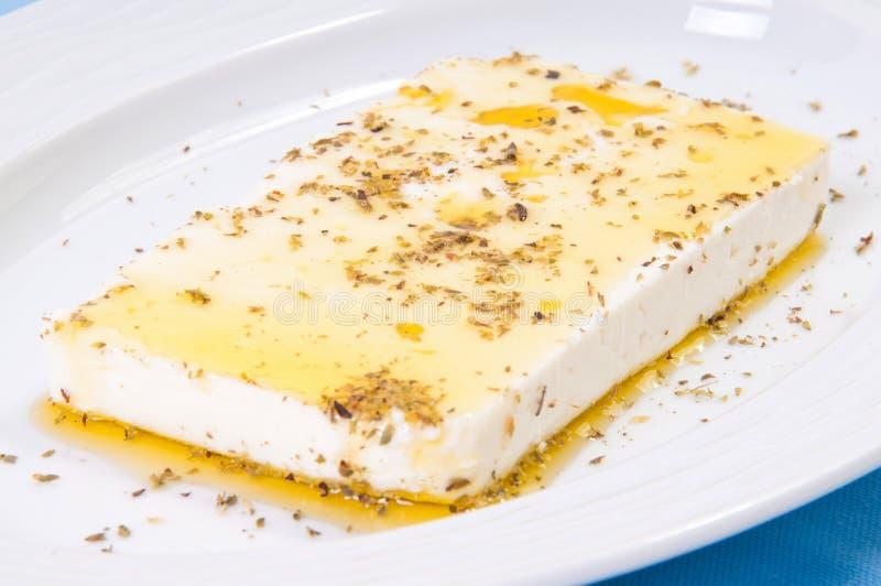 希腊meze盘用希腊白软干酪。 库存照片