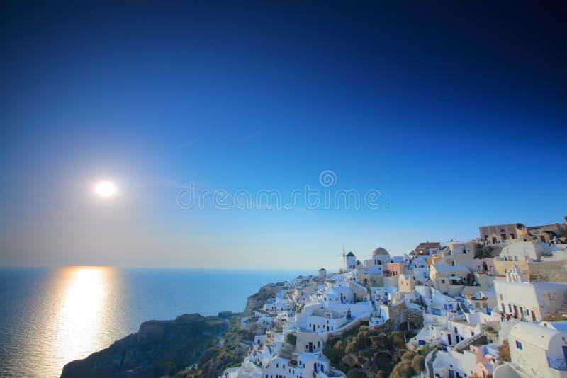 希腊oia日落村庄 免版税图库摄影