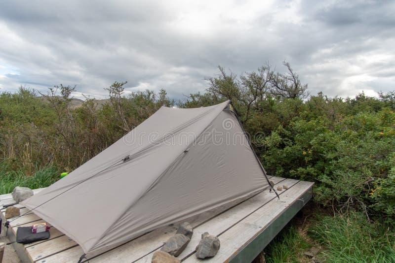 帐篷在平台投了 库存图片