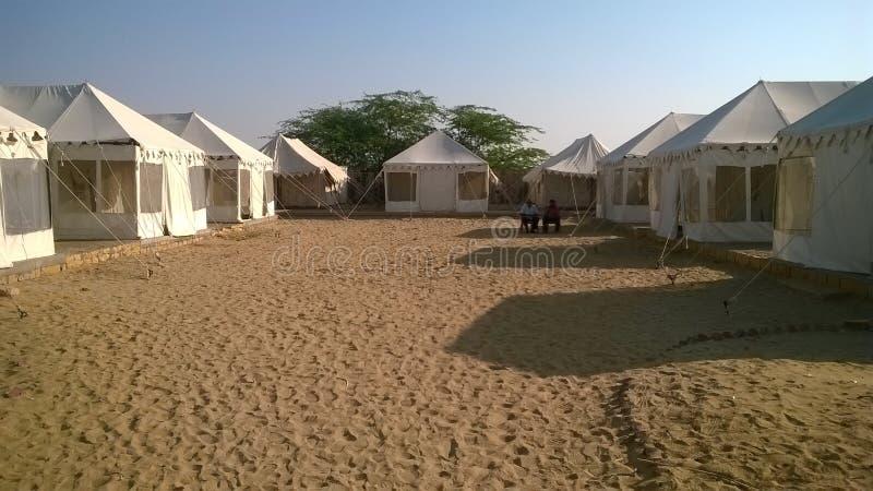 帐篷在沙漠 免版税库存图片