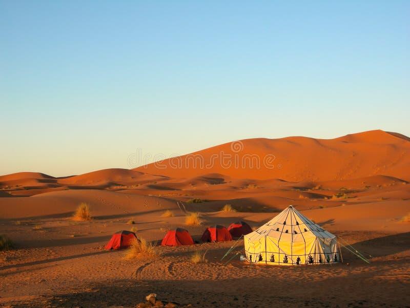帐篷在沙漠 免版税库存照片