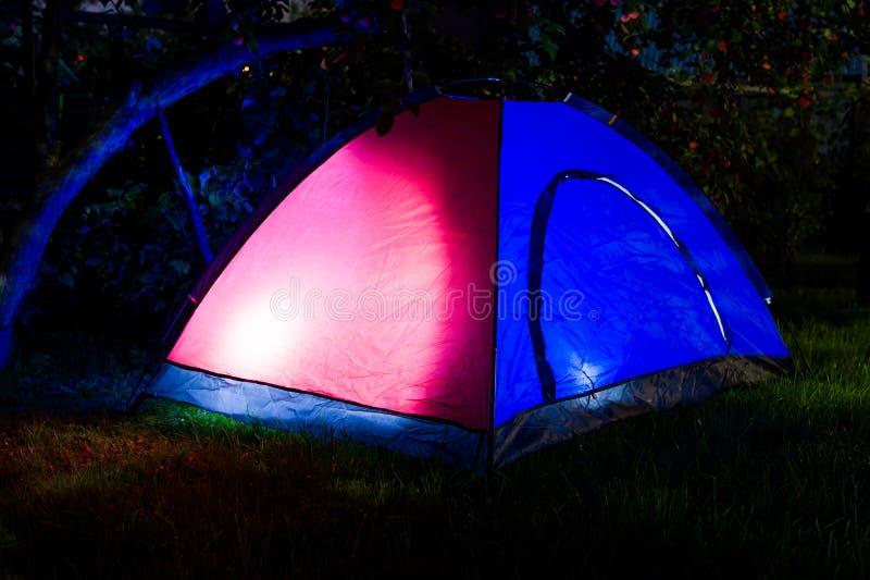 帐篷夜 免版税库存图片
