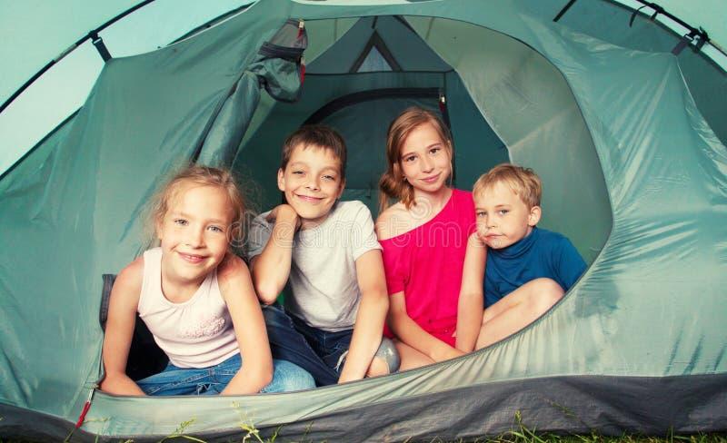 帐篷的孩子 图库摄影