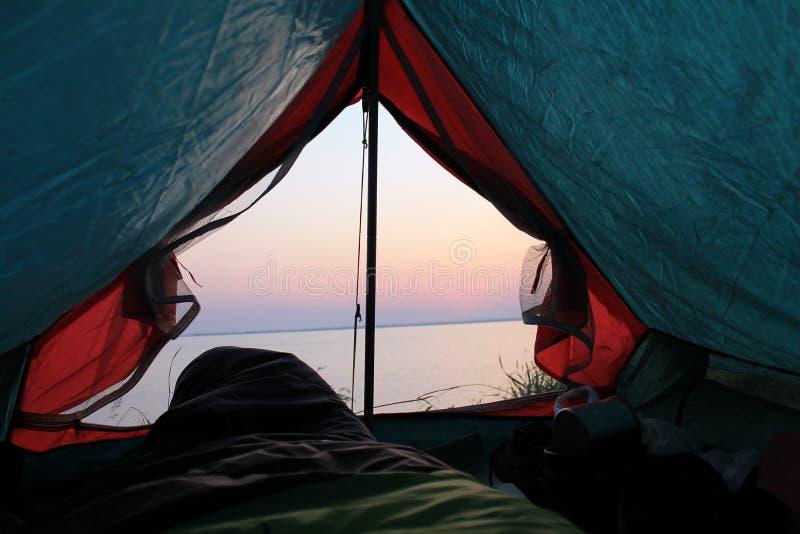 从帐篷的看法在海 图库摄影