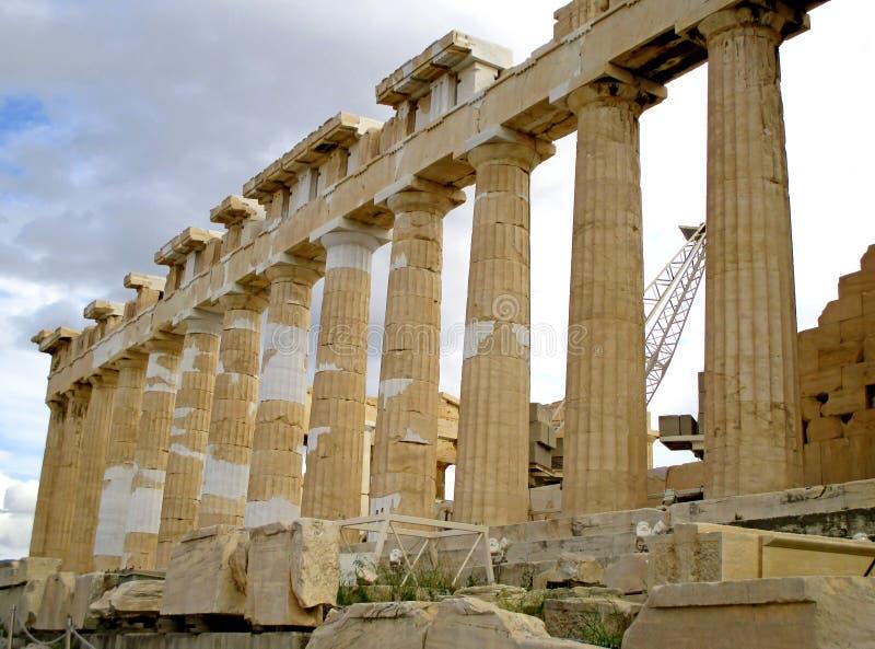 帕台农神庙在恢复工作下的古希腊寺庙,雅典卫城,希腊小山顶  库存照片