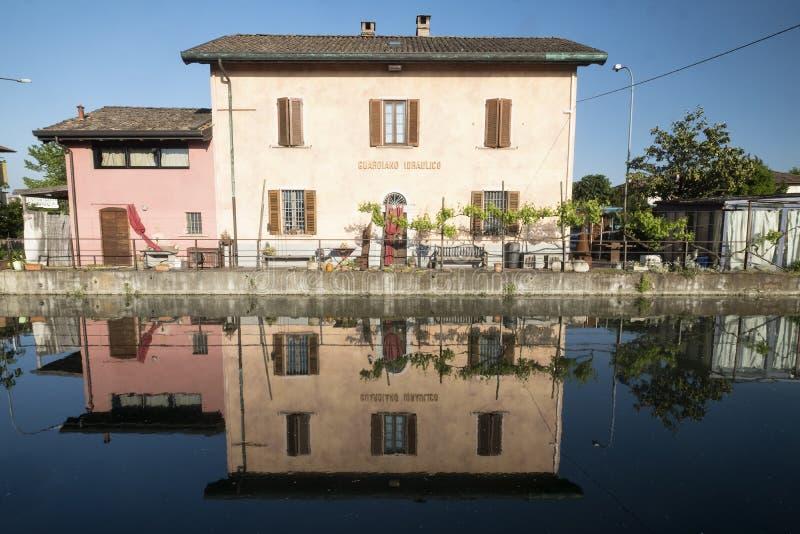 从帕尔瓦的Naviglio Pavese向米兰意大利 图库摄影