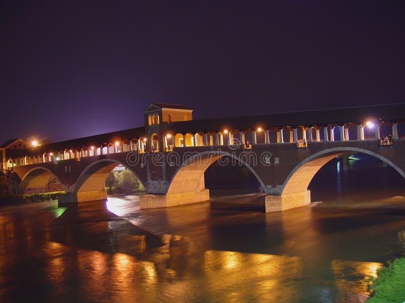 帕尔瓦-意大利的历史的被遮盖的桥的全景 免版税库存图片