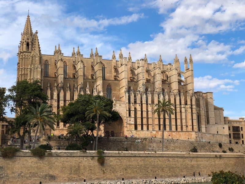 帕尔马圣玛丽亚大教堂  马略卡,La Seu,帕尔马,西班牙哥特式中世纪大教堂  库存图片