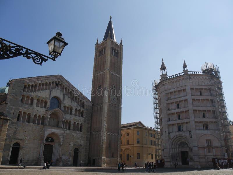 帕尔马大教堂和洗礼池正方形 库存图片