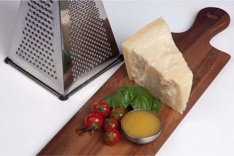 帕尔马干酪,静物画意大利人食物 图库摄影