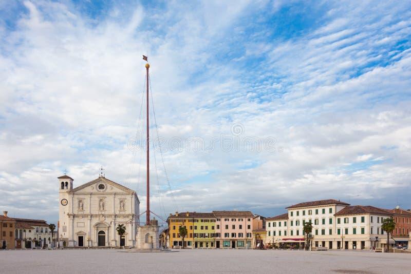 帕尔马诺瓦,意大利大广场  免版税库存照片