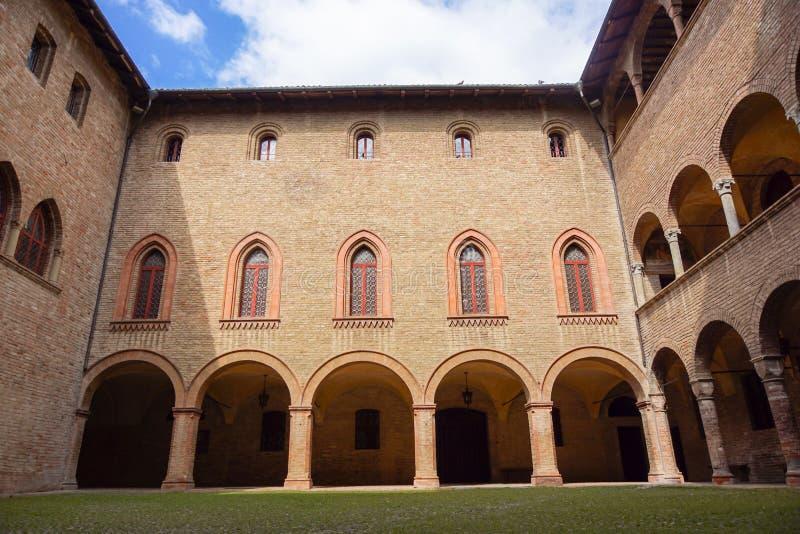 帕尔马,意大利- 2017年4月:内部看法细节 Rocca丰塔内拉托Sanvitale站立,迷住,在中心 免版税库存图片