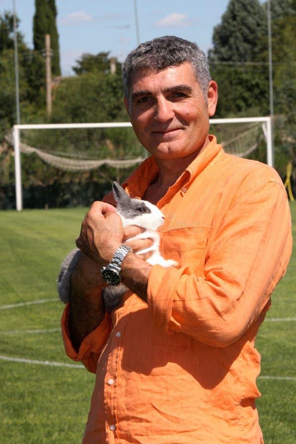 帕特里齐奥奥利瓦山脉用兔子 库存图片