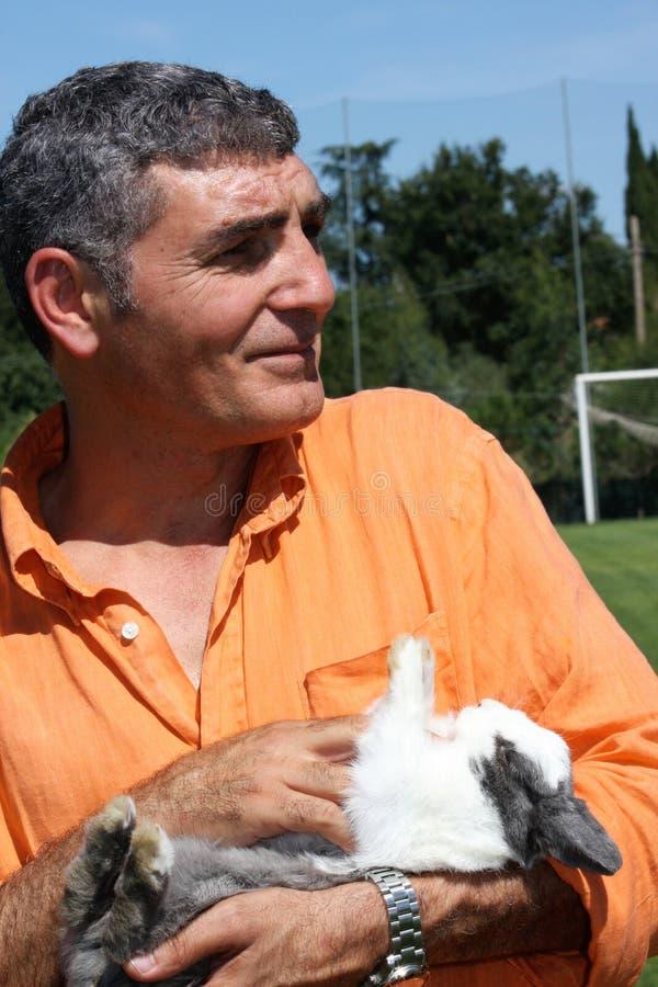 帕特里齐奥奥利瓦山脉用兔子 库存照片