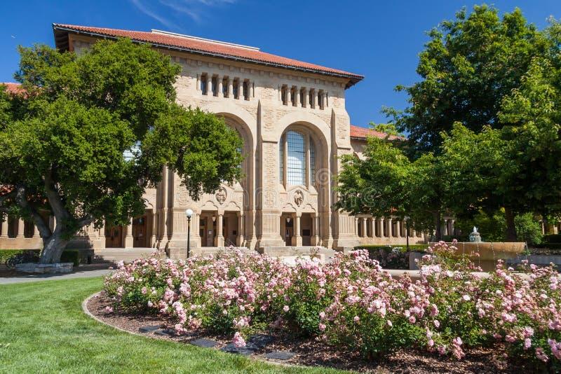 帕洛阿尔托, CA/USA -大约2011年6月:史丹福大学校园大厦在帕洛阿尔托,加利福尼亚 库存图片