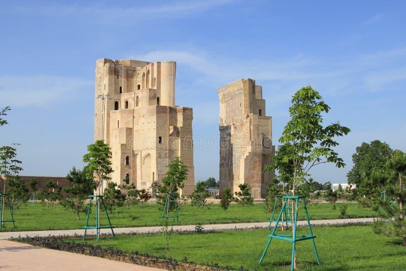 帖木尔阿克萨赖宫殿的废墟在Shakhrisabz,乌兹别克斯坦 库存图片