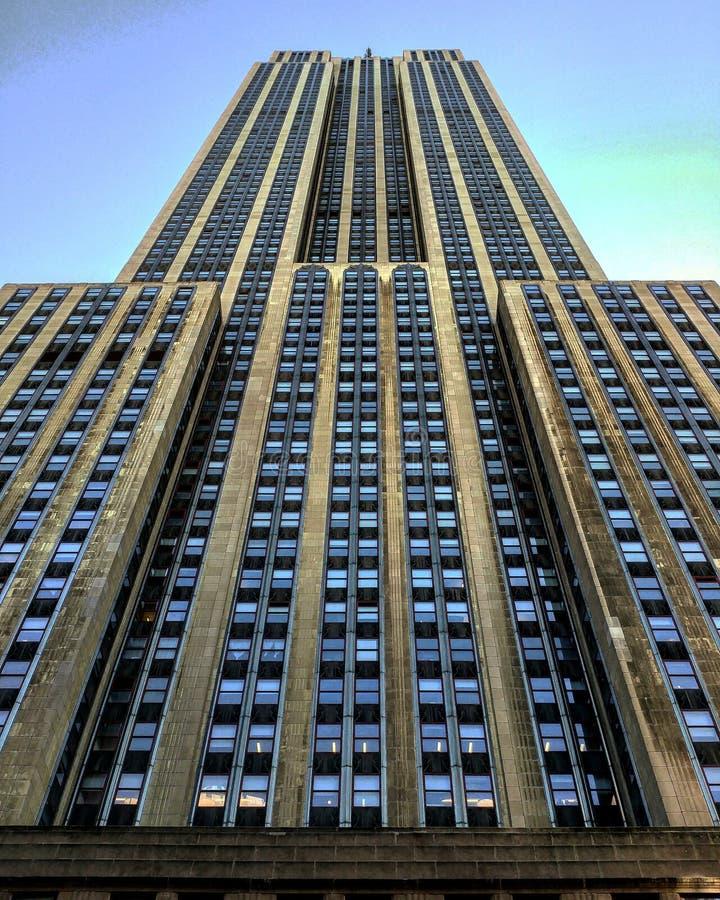 帝国大厦从街道观点 免版税库存图片
