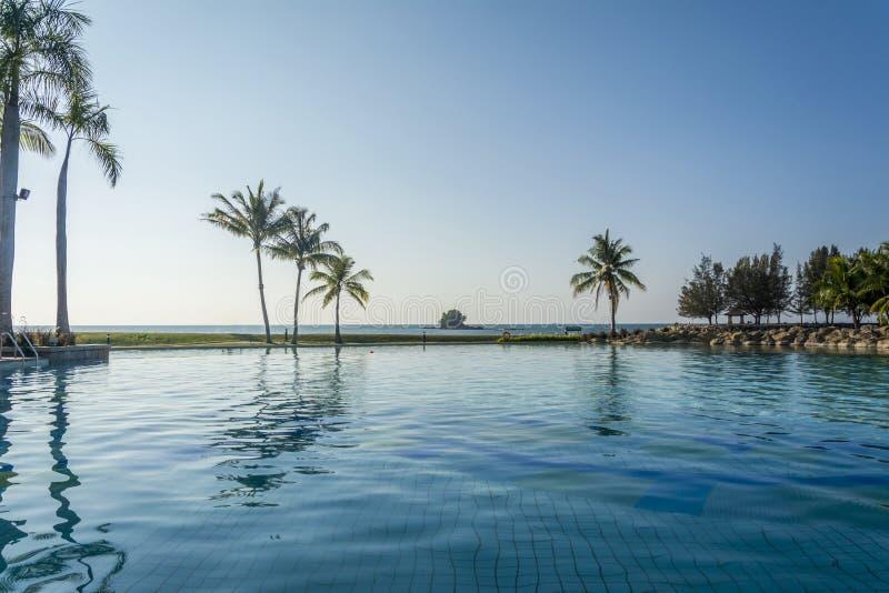 帝国饭店游泳池,文莱 免版税库存照片