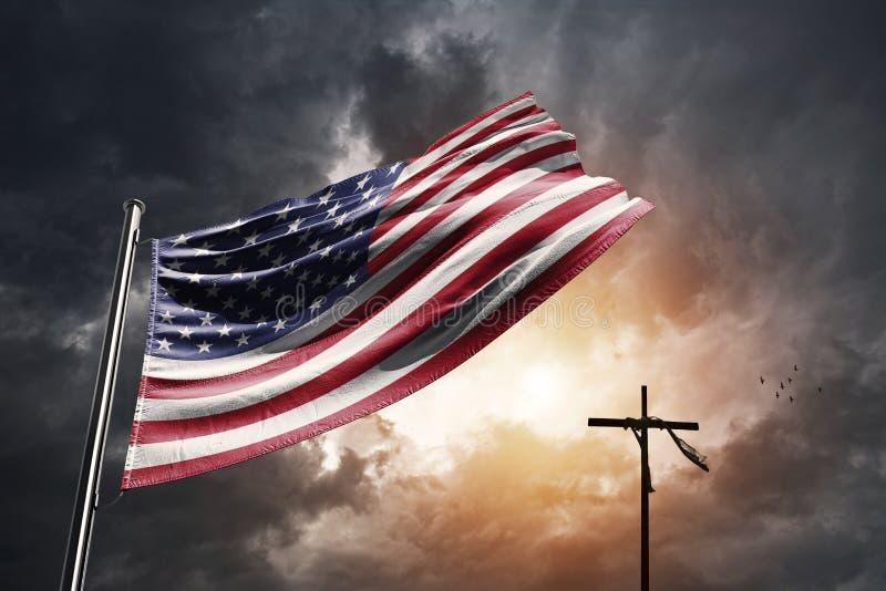 带有基督教十字的美国国旗 免版税库存图片