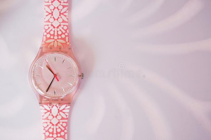 带淡红色的手表 免版税库存图片