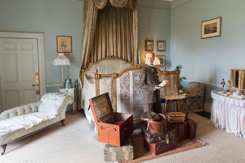带着手提箱的英国绅士 免版税库存照片