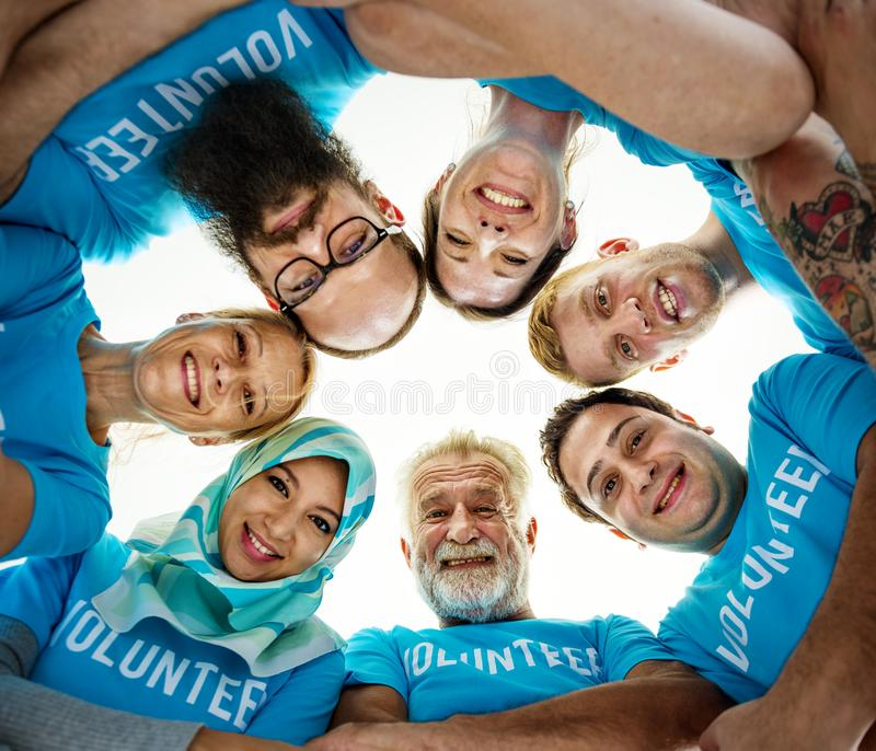 帮助为慈善的志愿者 免版税库存照片