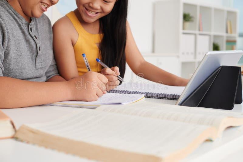帮助的家庭作业 库存图片