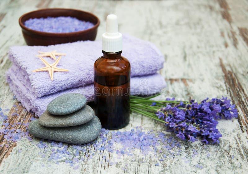 常春藤淡紫色肥皂温泉毛巾 库存照片