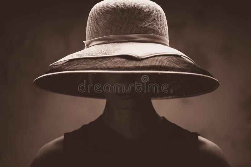 帽子的妇女 免版税库存照片