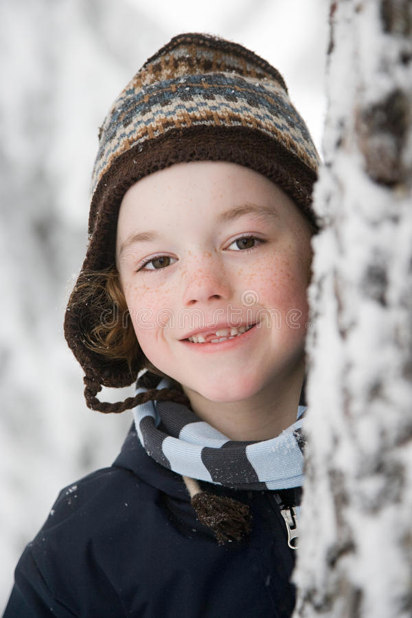 Download 戴帽子的男孩 库存图片. 图片 包括有 加拿大, 发现, 无罪, 子项, 照相机, 探险, 幸福, 聪明 - 62534685