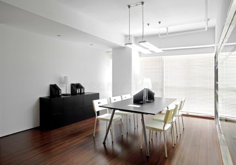 干净和典雅的办公室环境 免版税库存照片