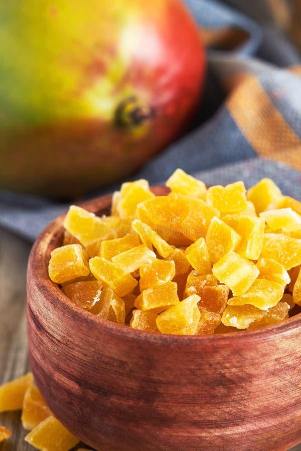 干和糖煮的芒果 免版税库存图片